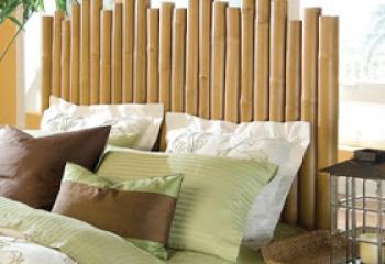 cama con cabecera de bambu en vista diagonal