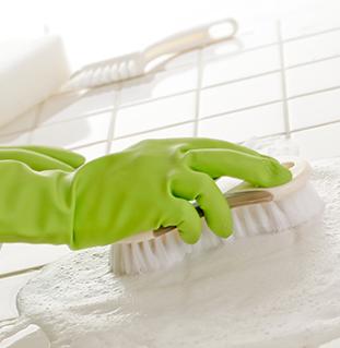 Nueve pasos para limpiar rápidamente el baño